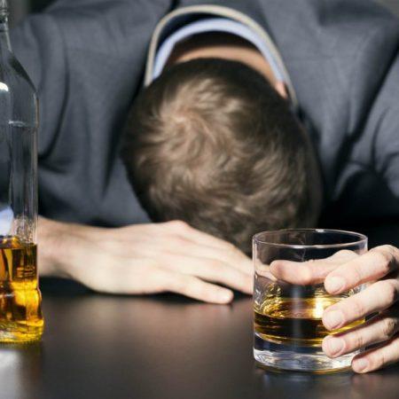 Uống gì giải rượu nhanh mà không hại sức khỏe?