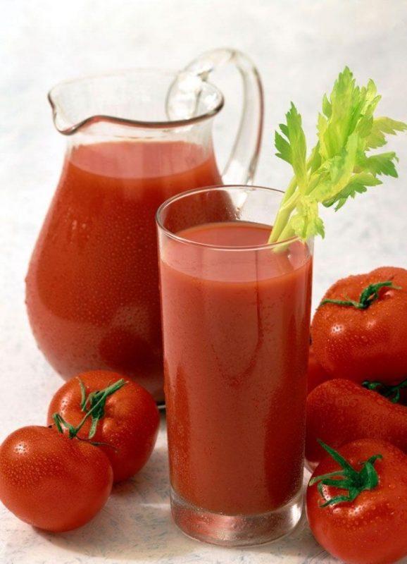 uống nước cà chua giải rượu nhanh cải thiện thị lực